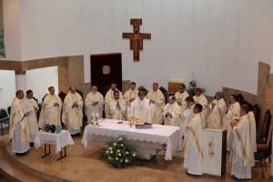 Месса освящения елея в Саратове 2012